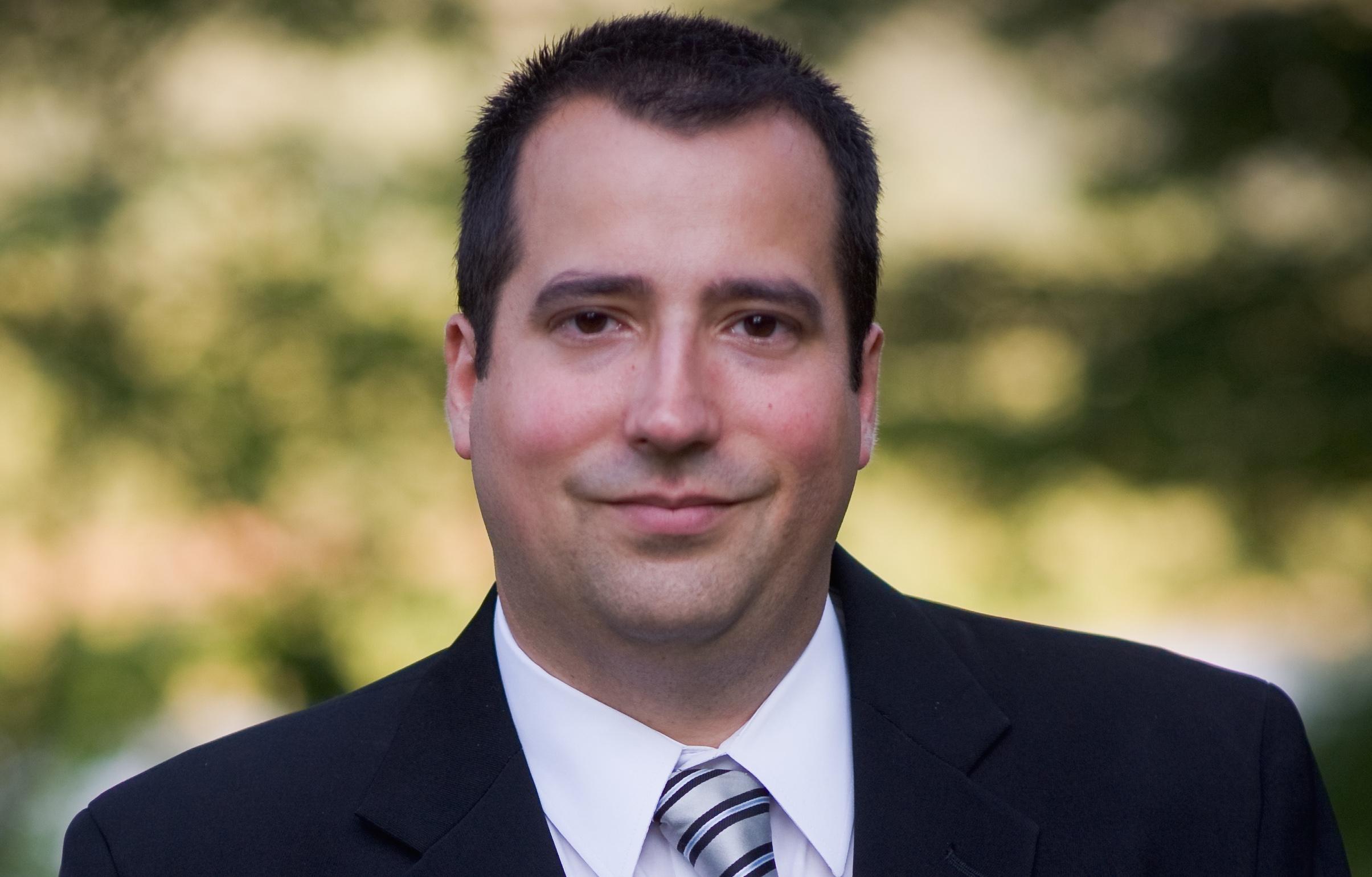 Dr. Joel Baldomir